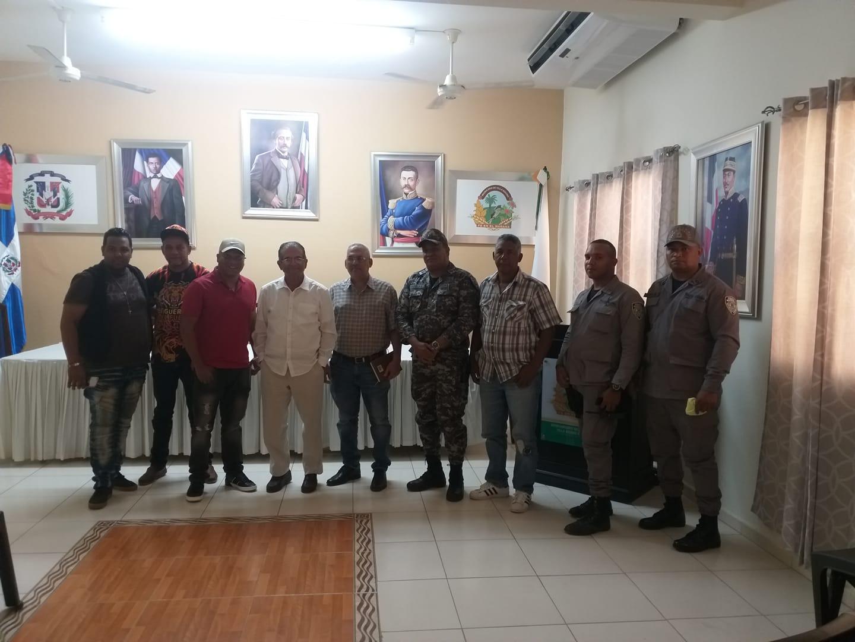 alcalde Tito Bueno se reunió con los organizadores de el carnaval navarretense UCANA