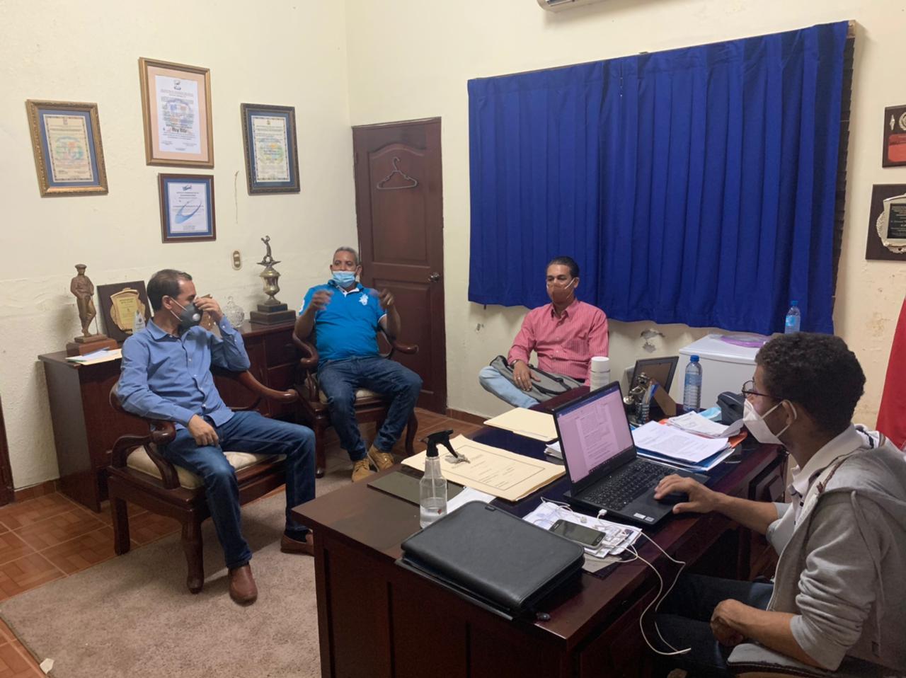 Reunión con personal de la Liga Municipal Dominicana